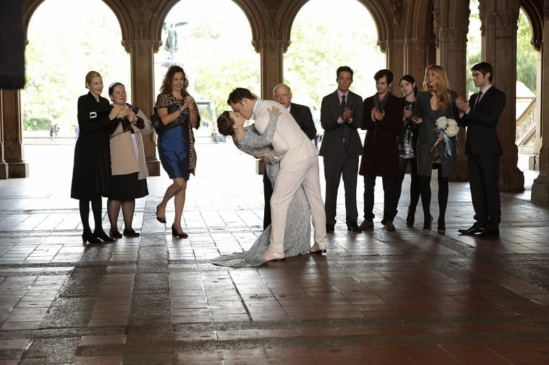 GOSSIP GIRL-- 'New York, I Love You XOXO' -- image GO610B_0173 Pictured (L-R): Kelly Rutherford as Lily Van Der Woodsen, Zuzanna Szadkowski as Dorota, Margaret Colin as Eleanor Waldorf, Desmond Harrington as Jack Bass, Leighton Meester as Blair Waldorf, Wallace Shawn as Cyrus Rose, Ed Westwick as Chuck Bass, Penn Badgley as Dan Humphrey, Michelle Trachtenberg as Georgina Sparks, Blake Lively as Serena Van Der Woodsen and Chace Crawford as Nate Archibald -- Photo: Giovanni Rufino/The CW -- © 2012 The CW Network. All Rights Reserved. Photo: Giovanni Rufino/The CW -- © 2012 The CW Network. All Rights Reserved.