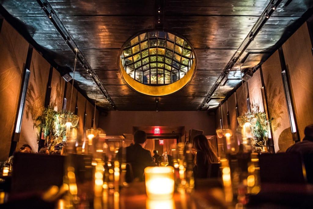 Espaço interno do Beauty & Essex, em Lower East Side, Nova York