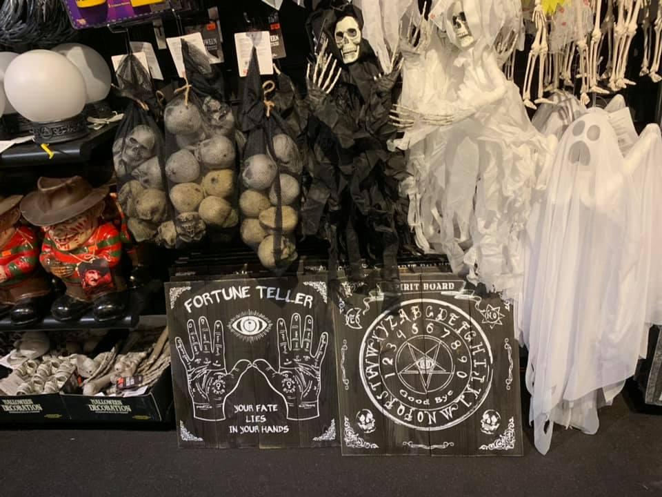New York Costumes / Halloween Adventure
