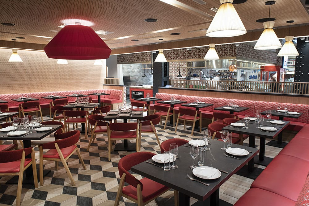 Leña restaurante do Mercado Little Spain.